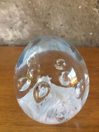 Presse papier, sulfure en verre blanche vintage