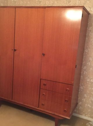 Lit/matelas/armoire