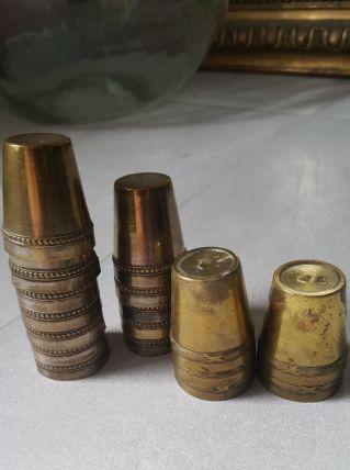 Petits verres métal anciens