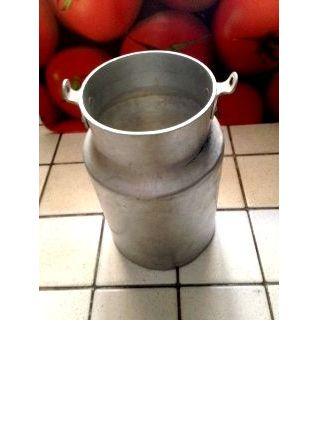 Pot à lait ancien en alu brossé
