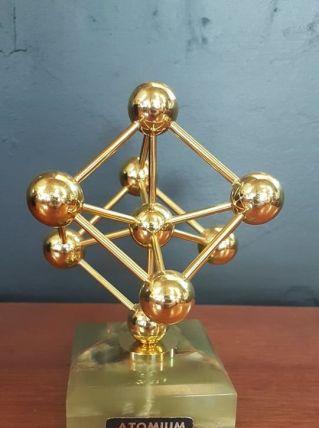 Atomium sur socle