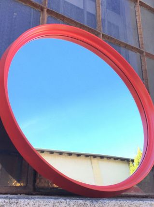 Miroir rond rouge
