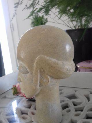 Statuette homme africain en pierre