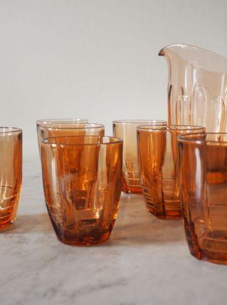 Lot de 8 verres et 1 pichet en verre ambré art déco