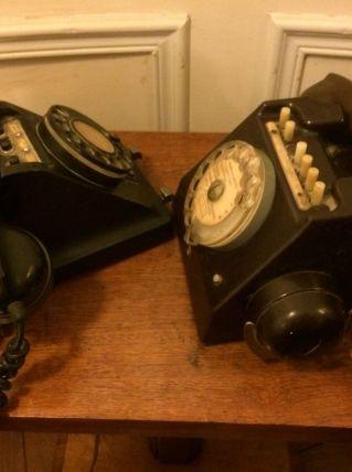 TELEPHONES ANCIENS EN BAKELITE
