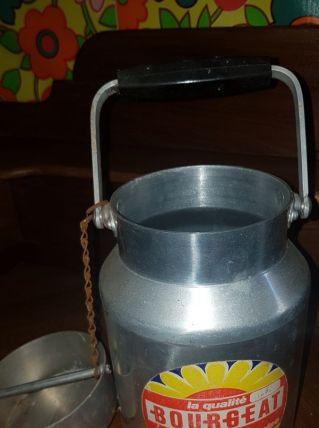 Ancien pot a lait