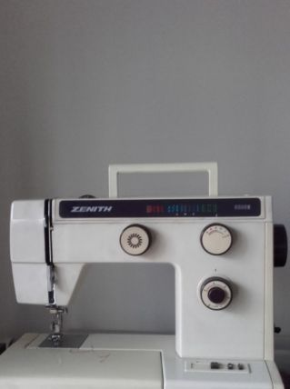 Machine à Coudre ZENITH 9800E - TBE