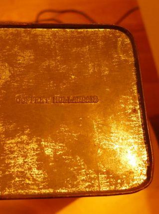 ancienne boite en fer