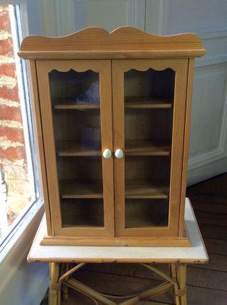 Petite armoire vitrine