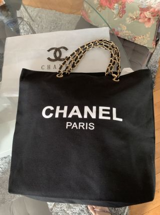 Cabas Chanel VIP gifts