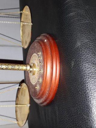 petite balance vintage avec poids