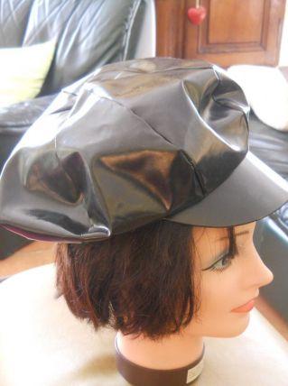 casquette acrylique