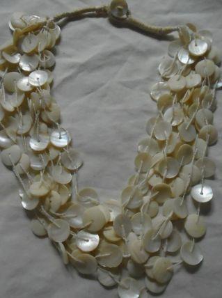 collier nacre