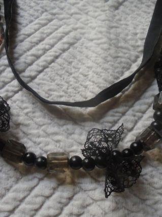 Sautoir  perles et dentelle