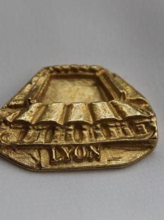 fève métal dorée de collection ribeirou stade Lyon