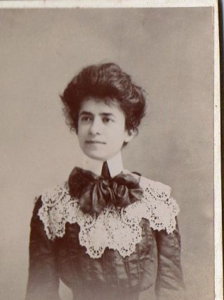 photo ancienne femme carte de visite vers 1900