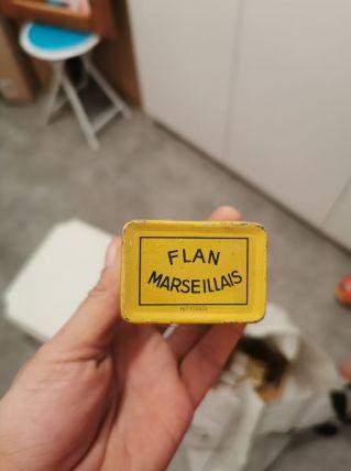 Boite metal vintage année 30 flan marseillais