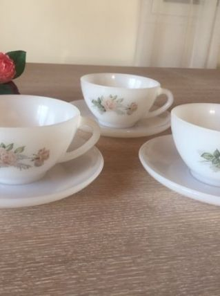 Lot de 3 tasses Opaline Arcopal Vintage shabby
