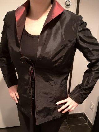 Veste réversible noire et rouge