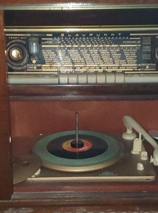 meuble tourne-disque et radio Blaupunkt