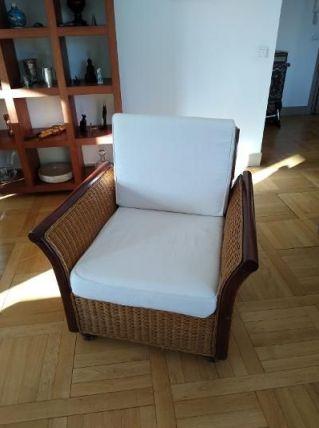 Lot de 2 fauteuils en teck et rotin tressé