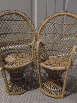 2 fauteuils rotin pour poupée