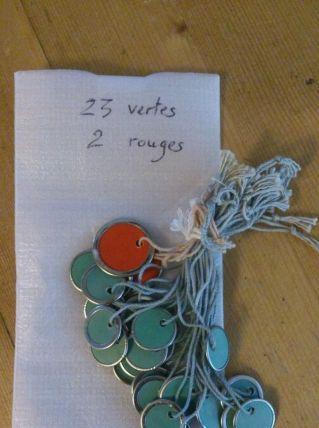 Pastilles/étiquettes anciennes (23 vertes/2 rouges)