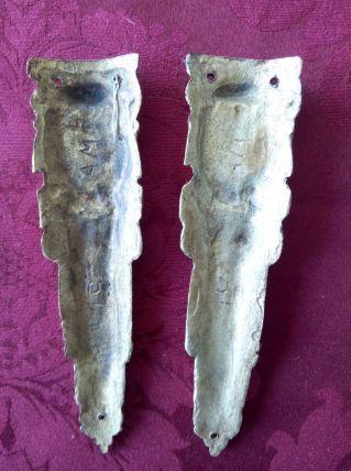 2 décorations de pied de meuble Bronze doré Hauteur 12,5 cm