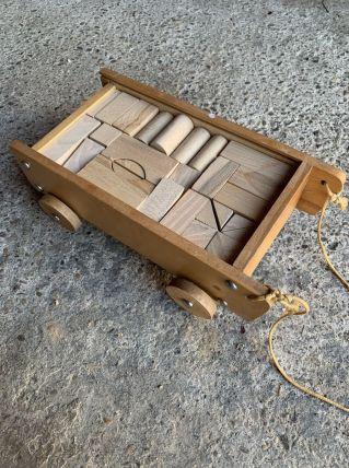Chariot de cubes en bois rétro
