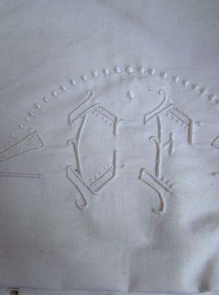 drap ancien monogramme brodé + 2 taies