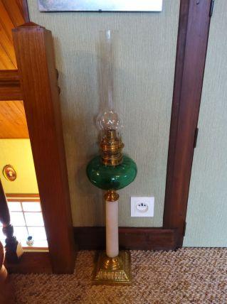 Belle lampe à pétrole Empire