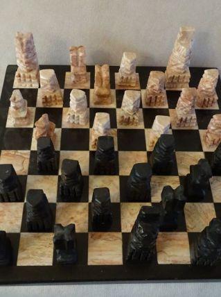 Jeu d'échecs avec plateau en marbre