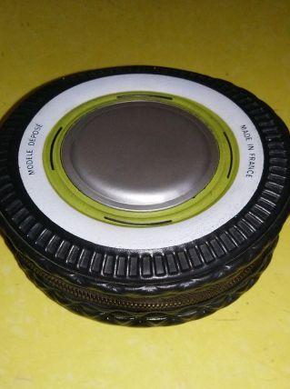 Kit entretien auto - collection en forme de pneu