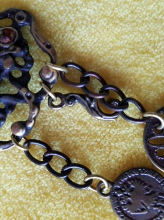 Broche avec pendants et ornée pierre orange