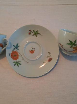 Assiettes et tasses porcelaine