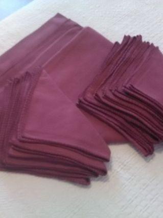 Nappe rectangulaire et 12 serviettes