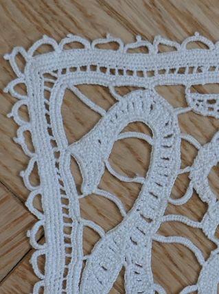 Napperon ancien crochet en coton écru