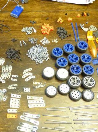 Lot de pièces Meccano
