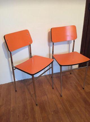 Chaises en formica orange