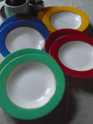 8 assiettes Arcopal