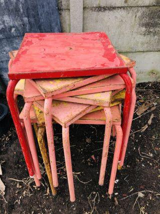 Tables et chaises style tolix