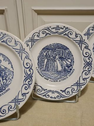 """3 Assiettes plate YOPLAIT """" trois mousquetaires """""""