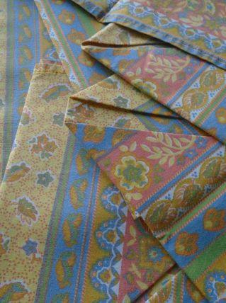 9 serviettes de table