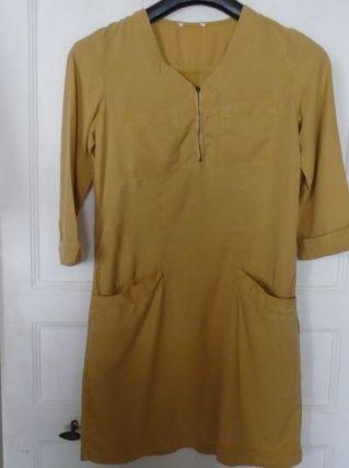 Robe en coton moutarde