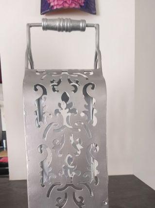 Range bouteille en métal  (repeint en argent)