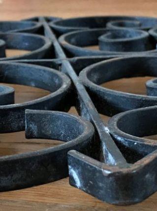 dessous de plat en fer forgé