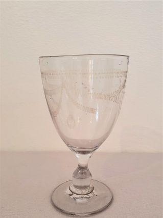 verre à pied ancien, sablé Souvenir