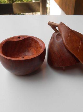 Boite en forme de poire, bois de Madagascar