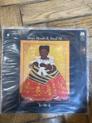 Vinyle vintage Sergio Mendes et Brasil '66 - Ye-Me-Le