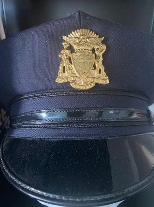 Véritable Casquette Police San Francisco USA et  badge